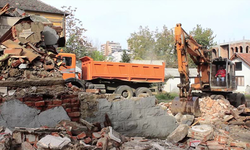 Demolishing and cleaning of old houses and buildings