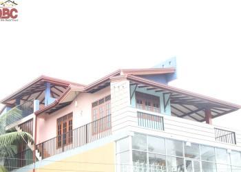 Okithma-building-construction-Mr.Danajaya-Watareka (9)